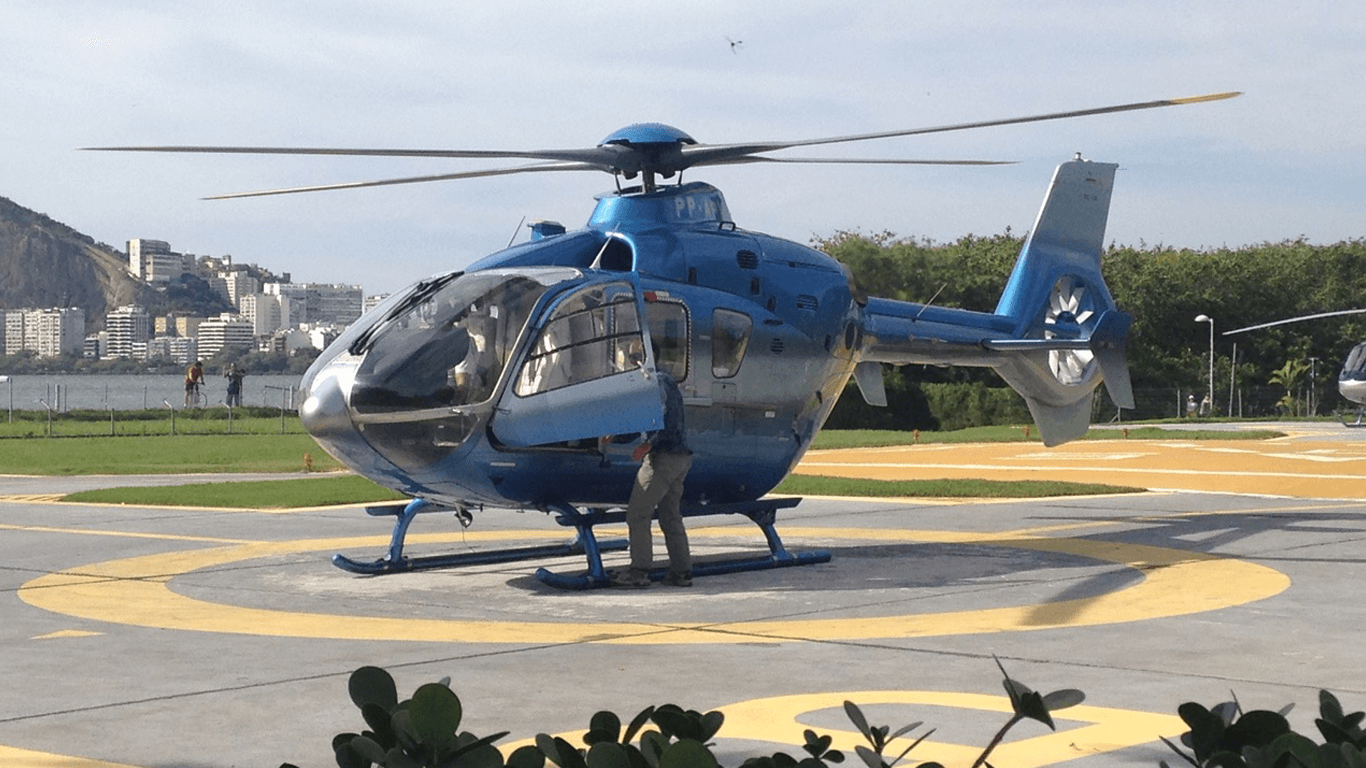 Transfers and tours in twin engine helicopter