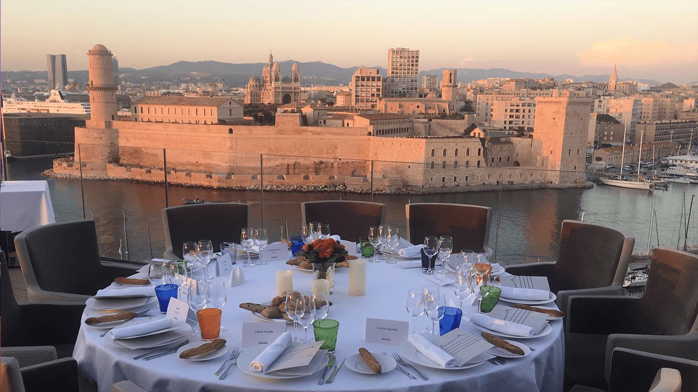 Sunset diner in Marseille